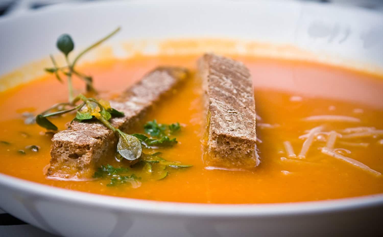 tomatsuppe sund